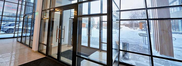 Двері без термоізоляції