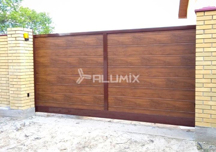 Откатные ворота и калитка для частного клиента