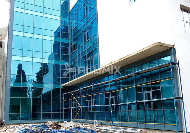 """Гостиничный комплекс """"Голубая лагуна""""- фасадное остекление"""